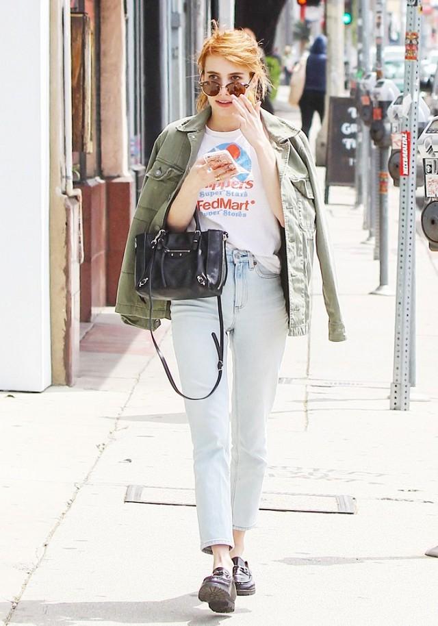 emma roberts t shirt styling trick